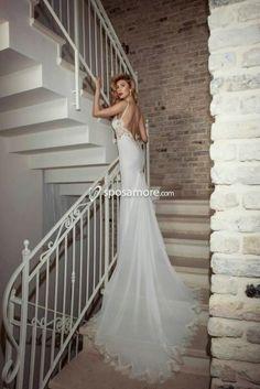 KATIA - Abito da sposa con scollo a cuore,strascico corto,confezionato in raso e pizzo