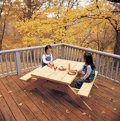 Ah! E se falando em madeira...: mesa infantil estudo ou picnic