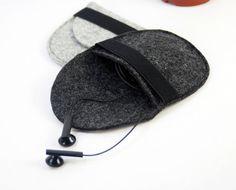 Wool Felt Headphones Bag MP4 MP3 Earplugs Case iPhone by ArtsWool