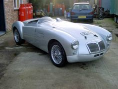 ClassicCarHunter » Blog Archive » Silver rocket: 1958 MGA '55 Le Mans replica