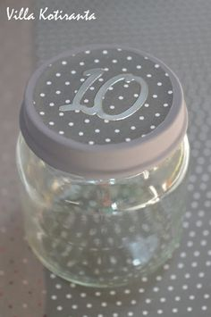 DIY: Joulukalenteri lasisista lasten välipalapurkeista / DIY; Advent calendar made from small glass jars Advent Calendar, Diy, Corning Glass, Bricolage, Advent Calenders, Do It Yourself, Homemade, Diys, Crafting