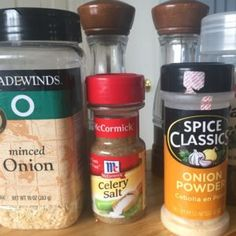 You can make your own homemade onion soup mix for casseroles, soup, or dip with just a couple easy ingredients. Homemade Onion Soup Mix, Homemade Cake Mixes, Homemade Spices, Homemade Seasonings, Soup Mixes, Spice Mixes, Spice Blends, Homemade Ranch Dressing Mix, French Onion Dip