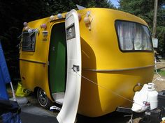 -YELLOW- for camping... again, i would go camping every day if i had something like this!