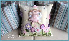 bebek takı yastığı Wool Felt, Cushions, Throw Pillows, Diy, Toss Pillows, Toss Pillows, Bricolage, Pillows, Decorative Pillows