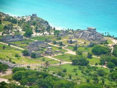 Visit the most important and emblematic archaeological sites with the tours of Experiencias Xcaret. Visit Chichén Itzá, Tulum and Cobá. Your vacations to Cancun and Riviera Maya can be full of culture and history. Cancun Vacation, Vacation Destinations, Spring Vacation, Vacation Places, Family Vacations, México Riviera Maya, Xel Ha, Places To Travel, Places To Visit