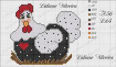Lidiane Silveira Ponto Cruz: Galinhas Rooster Cross Stitch, Chicken Cross Stitch, Cross Stitch House, Cross Stitch Kitchen, Cute Cross Stitch, Cross Stitch Borders, Cross Stitch Animals, Cross Stitch Charts, Cross Stitch Designs