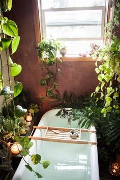9 Ways to Create a Bathtime Oasis #anthrofave #jungalowstyle