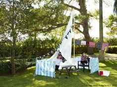 Cum construiești o corabie? Cu un umbrar, câteva metraje și mult chef de joacă Peter Pan Party, Ikea, Word Families, Outdoor Furniture, Outdoor Decor, Decoration, Ladder Decor, Home Decor, Play