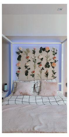 Cute Room Decor, Teen Room Decor, Girl Wall Decor, Tumblr Wall Decor, Bedroom Wall Decor Above Bed, Room Ideas Bedroom, Bedroom Decor, Cat Bedroom, Home Decor Ideas