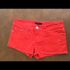 "Forever 21 Shorts ! ☀️ 🌺 Forever 21 Jean shorts ! Very lightly distressed ! Like new ! US 28 size ! Kind of a "" coral "" color to me ! Pretty ! 🌺 Forever 21 Shorts Jean Shorts"