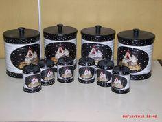 latas decoradas (papel feito por mim)