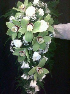 ramo de orquideas  en cascada
