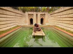 Here is a little inspiration for you! In just 60 Days, this man build a m. Underground Swimming Pool, Swimming Pool House, Swimming Pools, Earthship, Biewer Yorkie, Feel Good Videos, Underground Cities, Primitive Survival, Outdoor Balcony