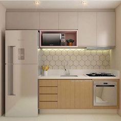 10 Designs Perfect for Your Small Kitchen area  #kitchencabinets#kitchenbacksplash#kitchenlightfixtures#kitchenpendantlighting#kitchenshelves