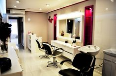 Godot styling chairs/ Godot/Lady backwash. Salon Ideas from Ayala salon furniture. Modern salon design. #Salonideas