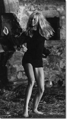 Ms Bardot dancing
