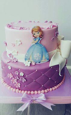 A princesa Lara queria uma festa da princesa Sofia. No alto dos seus 4 anos escolheu o bolo no pinterest, sim no pinterest!  Parabéns amor da madrinha! Que sejas sempre muito feliz. #princesasofia #cakedesign #4anos #princesa #alarafezanos Happy Birthday Princess Cake, Sofia The First Birthday Cake, Birthday Cake Gif, Baby Girl Birthday Cake, Bolo Da Minnie Mouse, Minnie Mouse Birthday Cakes, Awesome French Toast Recipe, Sofia Cake, Crown Cake