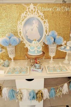 Cinderella Theme Party with a beautiful and original decoration - Celebrat : Home of Celebration, Events to Celebrate, Wishes, Gifts ideas and more ! Cinderella Baby Shower, Cinderella Theme, Cinderella Birthday, Princess Birthday, Girl Birthday, Cinderella Party Decorations, Cinderella Sweet 16, Cinderella Princess, Birthday Crowns