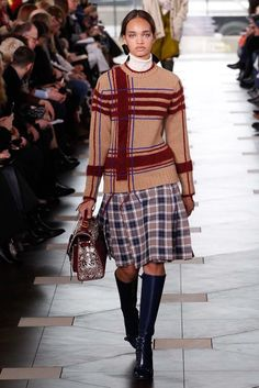 See the complete Tory Burch Fall 2017 Ready-to-Wear collection.