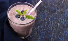 Sinisessä inkiväärismoothiessa on runsaasti terveyshyötyjä! Lisää halutessasi mukaan mintunlehtiä tuomaan makua. Kuvituskuva. Fitness Tips, Health Fitness, How To Cook Quinoa, Blueberry, Smoothies, Food And Drink, Pudding, Vegan, Drinks