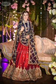 How To Look Your Best On Your Wedding Day. Photo by petramafalda On your big day, all eyes will be on you so you definitely want to look your best. If you can do your own makeup flawlessly then this Bridal Mehndi Dresses, Pakistani Wedding Outfits, Bridal Dress Design, Pakistani Bridal Dresses, Pakistani Wedding Dresses, Pakistani Dress Design, Bridal Outfits, Nikkah Dress, Bridal Lehenga