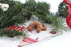 Klášterní rohlíčky - vánoční cukroví - TASTE Actually Christmas Baking, Christmas Ornaments, Gingerbread Cookies, Holiday Decor, Food, Home Decor, Winter, Gingerbread Cupcakes, Winter Time