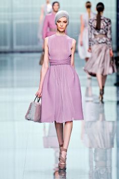 If you're going for that Betty Draper look, great for a business lunch in the city (Dior F 2012)