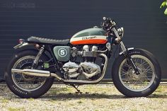 Patrick Crépelle's Bonneville T100 shows how Triumph's 'modern classic' can be transformed with a few workshop skills and an eye for good aesthetics.