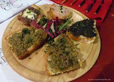 Costini misti - Tuscany starter of toasted Tuscan bread with mixed toppings from Trattoria Sbrana Tuscany Food, Tuscan Recipes, Toscana Italia, Quiche, Steak, Restaurant, Italy, Breakfast, Ethnic Recipes