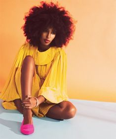 yellow dress/pink shoes/red lip/ big hair