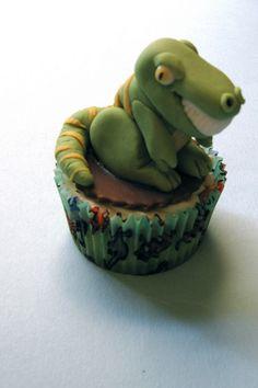 T Rex Dinosaur Cupcake. Soooo cute!!