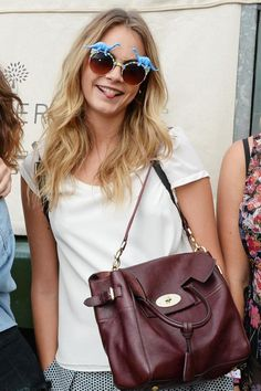 Cara with her Cara bag, сумки модные брендовые, bag lovers,bloghandbags.blogspot.com