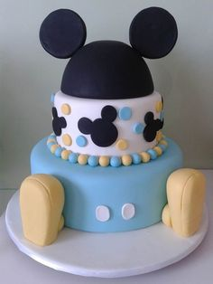 Bolo do Mickey baby. Bolo Do Mickey Mouse, Mickey Birthday Cakes, Festa Mickey Baby, Theme Mickey, Mickey 1st Birthdays, Fiesta Mickey Mouse, Mickey Mouse First Birthday, Mickey Cakes, Baby Boy 1st Birthday