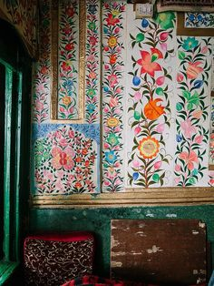 Bohemian House, Bohemian Decor, Bohemian Gypsy, Textures Patterns, Print Patterns, Indian Patterns, Floral Patterns, Interior Inspiration, Design Inspiration