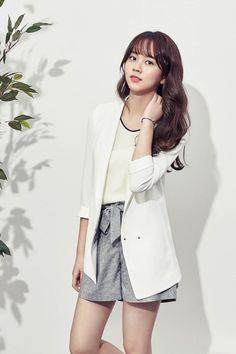 So-hyun Kim pictures and photos Jung So Min, Ulzzang Korean Girl, Cute Korean Girl, Kim So Hyun Fashion, Korean Fashion, Asian Woman, Asian Girl, Hyun Kim, Kim Sohyun