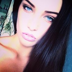Dasha Derevyankina...those eyes are delicious