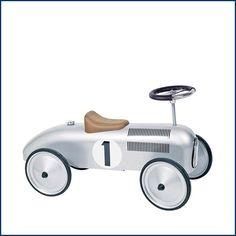 Der #Frühling kommt bald - #Saison für den SILBERPFEIL! Ab nach draußen und damit ums #Haus flitzen! Wurde gerade wieder im #Onlineshop bestellt. Was gibt es schöneres für #Kinder? Frische Luft und ein schickes #Rutschauto! Erhältlich bei #Feingefühl! http://feingefühl-shop.de/kinder/spielsachen/719/rutschauto-silberpfeil?c=7