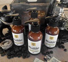 Jabón líquido de textura espesa, perfecto para la limpieza profunda de barba. Producto artesanal 100% natural.