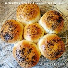 Cooking Bread, Food Platters, Hamburger, Biscuits, Food And Drink, Cookies, Breakfast, Inspiration, Fruit