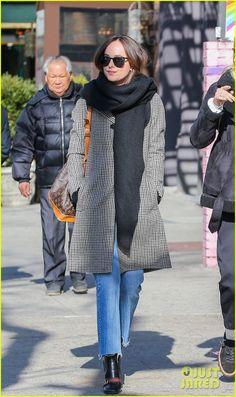 Dakota Johnson Explores NYC After Talking Post-'Fifty Shades' Plans | dakota johnson hits the shops after talking post fifty shades plans 02 - Photo