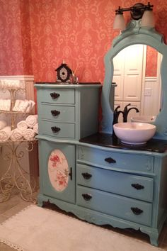My Guest Bath Vanity I Bought This Piece Of Furniture On An Auction Refurbished