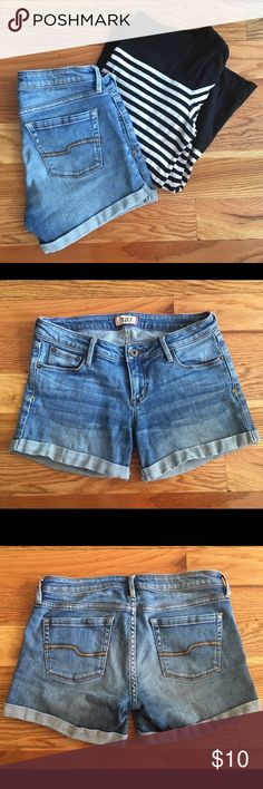 Tilt Roll Cuff Jean Shorts Pacsun's Tilt brand denim roll cuff shorts. Very comfortable and stretchy. Worn but in great condition! PacSun Shorts Jean Shorts