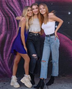 Best Friend Photos, Best Friend Goals, Bff Goals, Nadia Turner, Friendship Pictures, Forever 21 Girls, Mackenzie Ziegler, Picture Poses, Pretty People