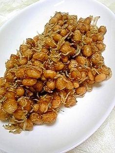楽天が運営する楽天レシピ。ユーザーさんが投稿した「大豆の甘辛炒め煮★大豆水煮で超簡単」のレシピページです。味見の段階で箸が止まりません(^_^;)おつまみにもお弁当にも便利です。。大豆煮物。大豆水煮,片栗粉,じゃこ(なくてもOK),砂糖,みりん,醤油,酢,サラダ油