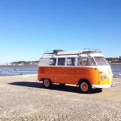 surf in portugal and discover the best surf spots with orange beauty Dorothy. http://surfinportugal.pt/