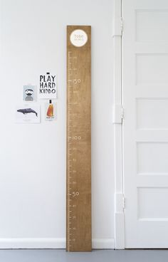 Our Growth Chart sticker. Perfect for any kidsroom. 16 colors available.