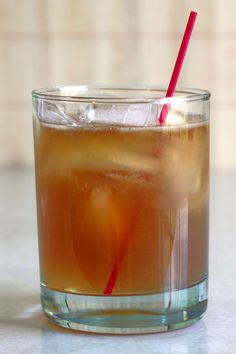 The Grumpy Old Man drink recipe adds a healthy portion of bourbon to a glass of ginger ale and lime juice. Whiskey Mixed Drinks, Bourbon Cocktails, Scotch Whiskey, Cocktail Recipes, Irish Whiskey, Cocktail Drinks, Drinks Logo, Bar Drinks, Beverages