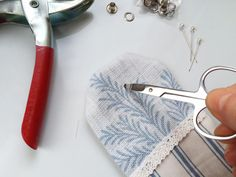 To celebrate the launch of our new season fabrics, we're showing everyone how to create their own DIY lavender sachets. Diy Lavender Bags, Lavender Crafts, Lavender Sachets, Lavender Scent, Sewing Tutorials, Sewing Projects, Sewing Patterns, Sewing Ideas, Small Projects Ideas