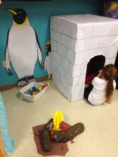 Great idea to create life size penguins. When I taught at a zoo, we had an infla. Great idea to create life size penguins. When I taught at a zoo, we had an inflatable Emperor penguin for a class. Preschool Centers, Preschool Themes, Preschool Crafts, Polo Norte, Dramatic Play Area, Dramatic Play Centers, Snow Dramatic Play, Inuit Igloo, Winter Thema