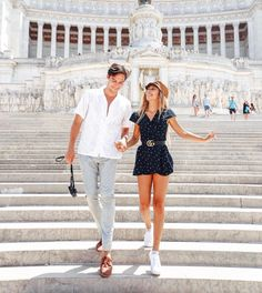 Roma (launch w parents + around city: Colosseum,all Roman Forum,Pantheon - walking + taking ice cream) (spotted airport morning) Europe Outfits, Italy Outfits, Couple Photography, Photography Poses, Eva Gutowski, Mylifeaseva, Cute Couples Goals, Couple Shoot, Couple Pictures